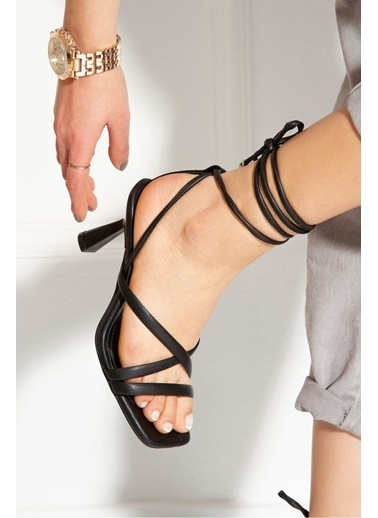 Derithy Rapına Topuklu Ayakkabı-Lıla-Byc1702 Siyah